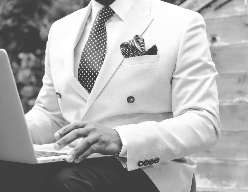職務経歴書に派遣先も書くべき?|派遣社員の職務経歴書の書き方・例のサムネイル画像