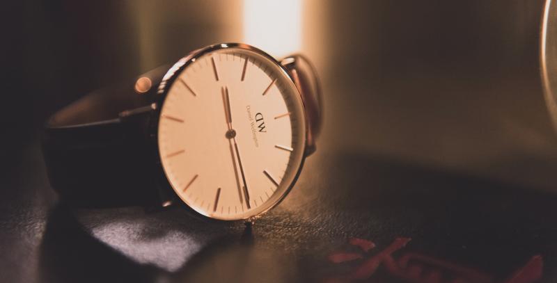 就活で腕時計が必要な理由