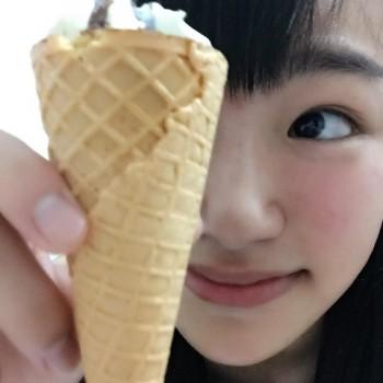 小さなコーンのアイス♡