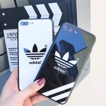 ペア アディダス iphone xsケース chanel iphone xs maxケース