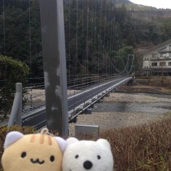 クマの古道散歩:渡瀬温泉ホテルささゆりに品行方正なクマ出没