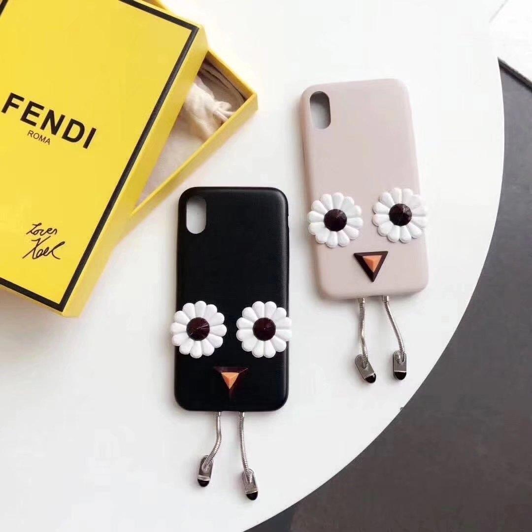 huge discount 8f67f 6baf5 女子に人気のTWICEが使っているiPhoneX/8Plus/7/6sケース大公開 ...
