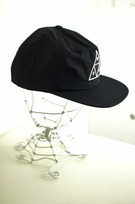 HUF (ハフ) TRIPLE TRIANGLE SNAPBACK メンズ 帽子