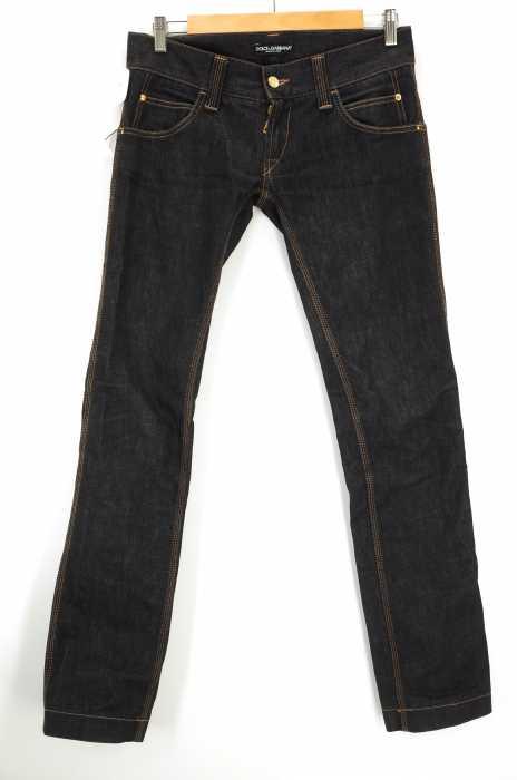 DOLCE&GABBANA (ドルチェアンドガッバーナ) 10GOLD ピラミッドスタッズロゴプレート ブラックデニムパンツ メンズ パンツ