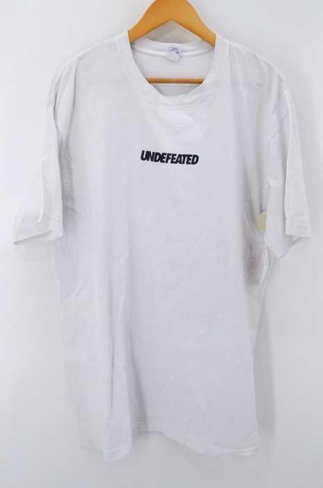 UNDEFEATED (アンディフィーテッド) ロゴプリント TEE メンズ トップス