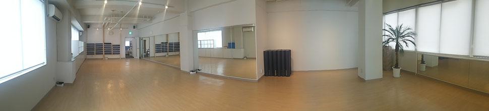YOGI FEEL yoga&pilates (ヨギーフィール ヨガアンドピラティス) スタジオ風景