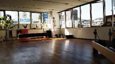 zen place pilates 川西能勢口スタジオ (旧ピラティススタイル)のスタジオ風景