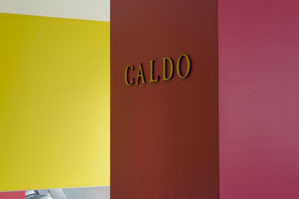 ホットヨガ&フィットネスジムCALDO(カルド)川西店のホットヨガレッスン風景