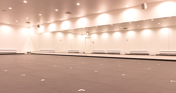 ホットヨガスタジオLAVA(ラバ)川西能勢口店のスタジオ風景