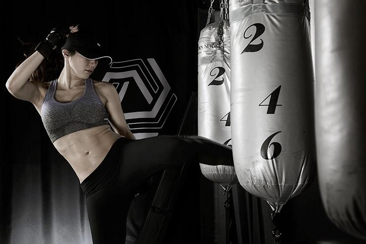 ホットヨガスタジオLAVA(ラバ)マイプラザ富山店の暗闇ボクシング風景