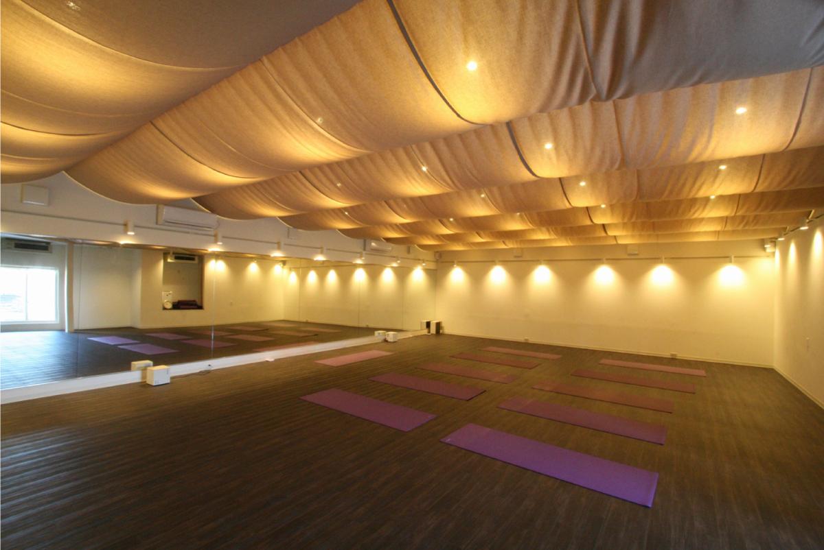 ホットヨガスタジオ ユニオン 山室スタジオのスタジオ風景