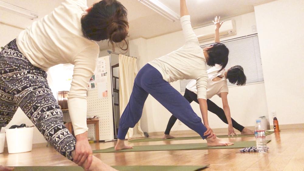 Yoga parama (ヨガパラマ)のレッスン風景2