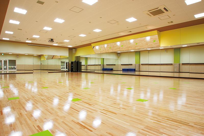 セントラルウェルネスクラブ24西新井のスタジオ風景