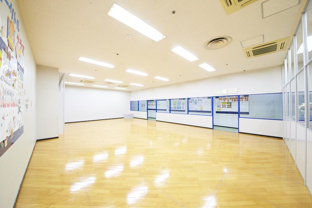 岸和田イトマンスポーツクラブのスタジオ風景