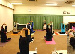 パピーヨガ&フィットネス岡崎矢作教室のレッスン風景