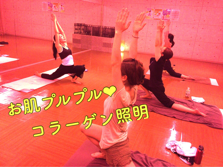 天然温泉 丸屋玉ノ湯 ホットヨガ Yoga Raionbow(レインボー)のレッスン風景