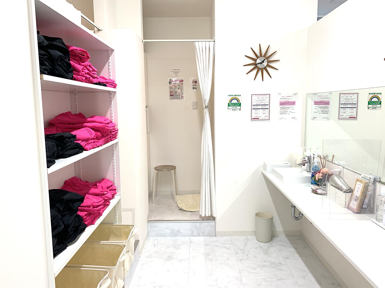 CREBIQの更衣室