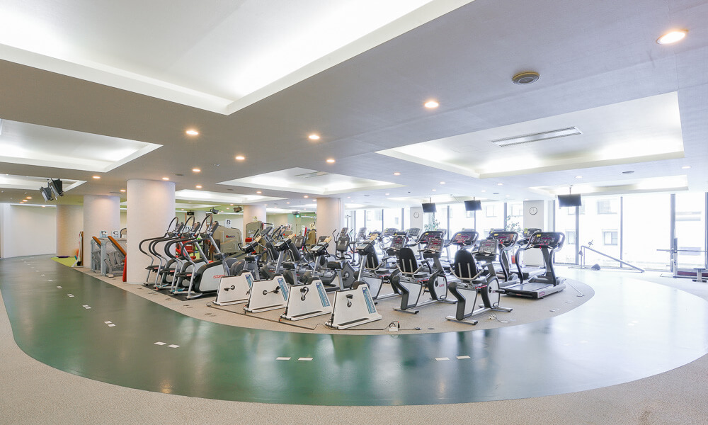 セサミスポーツクラブ 三鷹のジム風景