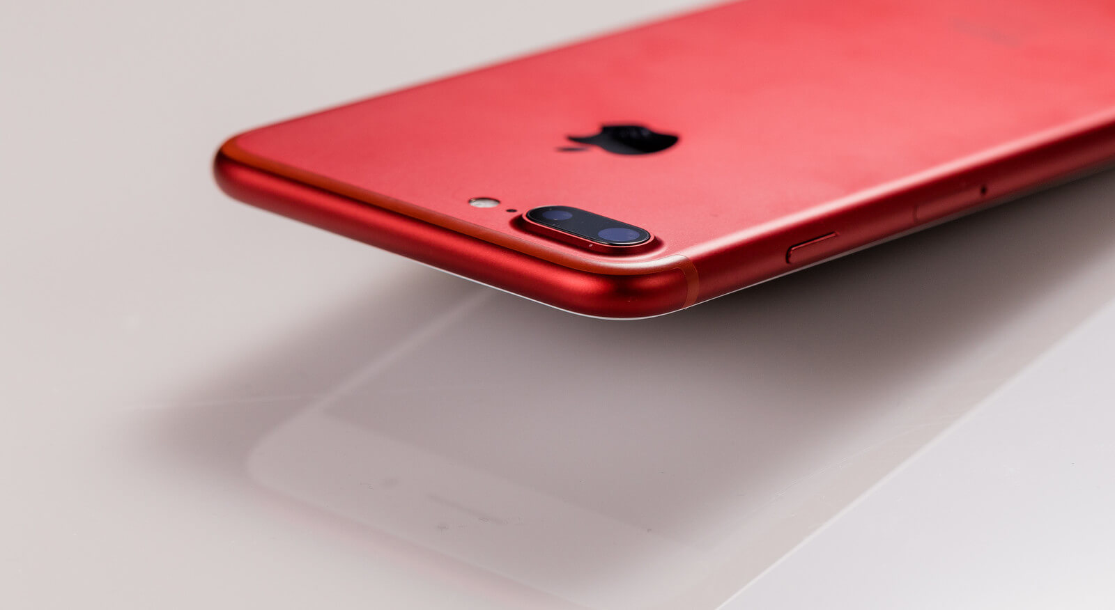 iPhone赤
