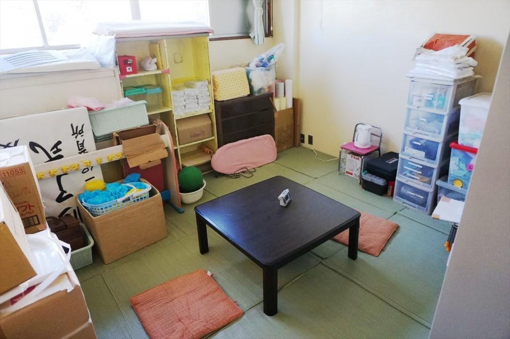 男性保育士用の休憩スペース。いつもはもうちょっと散らかっているそうです