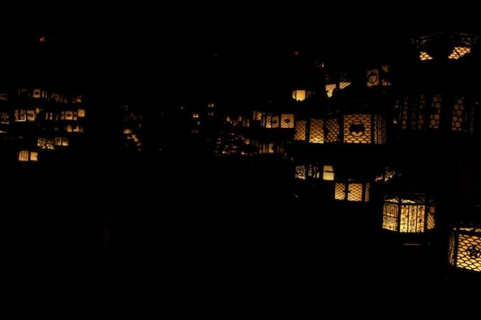 万燈籠を再現した藤浪之屋(ふじなみのや)