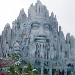 【魔境】ベトナム・ホーチミンのカオスすぎるテーマパーク「スイティエン公園」見どころを徹底解説