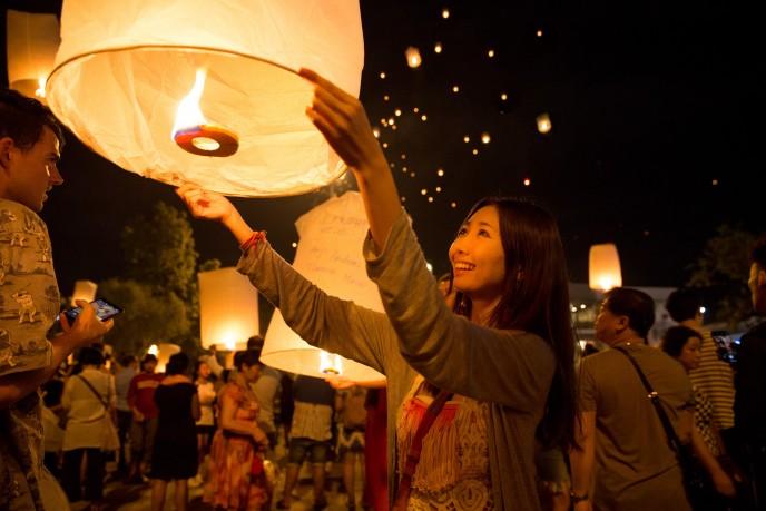 人気急上昇中の観光地タイ・チェンマイ。ランタンが上がる幻想的な夜と観光スポットまとめ