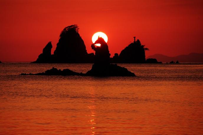 ゴジラ岩(688)