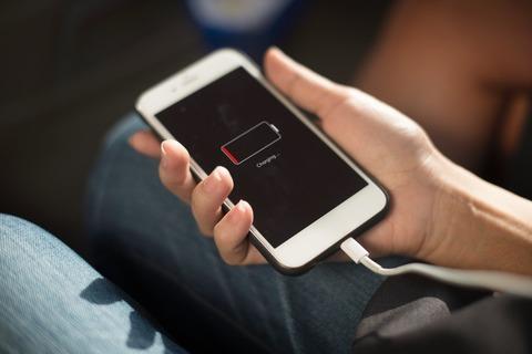 スマホや携帯の充電器の寿命を徹底解説!充電器の寿命を伸ばすには?