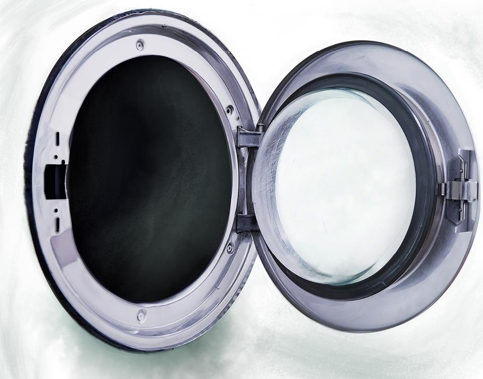 洗濯機の洗濯槽と排水口の掃除の頻度!頻度に合わせた掃除方法も解説!