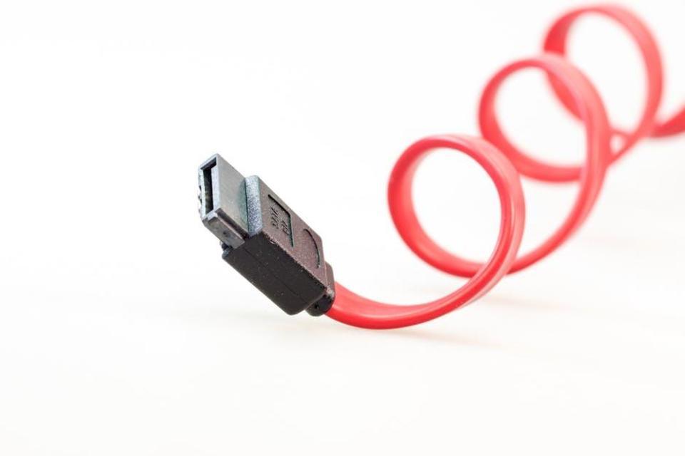 USBケーブルはコンビニで売ってる?iPhone,ウォークマン,Androidのは?