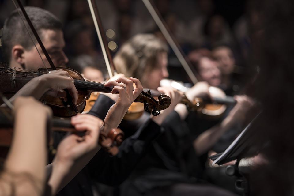 クラシックのおすすめヘッドホン6選!おすすめの開放型や密閉型は?