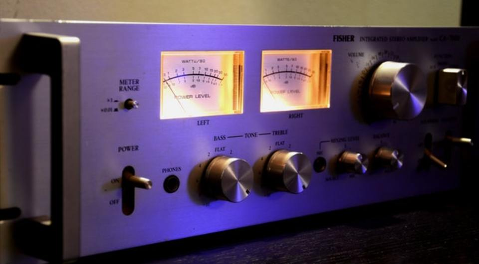 スピーカーとアンプのワット数(W数)について解説!音量との関係は?
