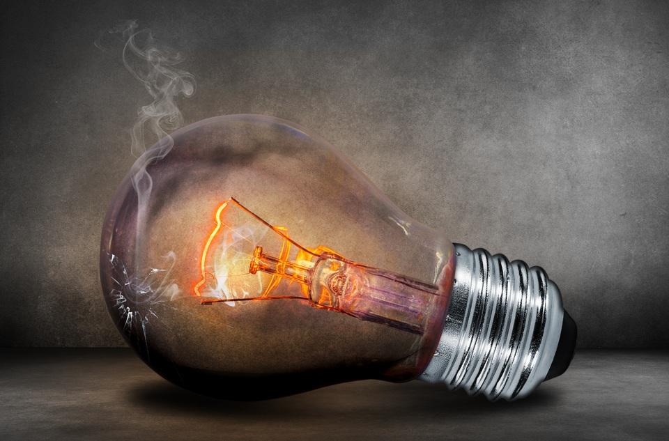 白熱電球の寿命を解説!寿命は短い?寿命の原因は?