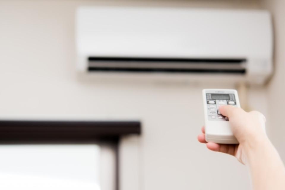 エアコンの風が出ない原因と対処法を解説!暖房、冷房、出ないのはなぜ?