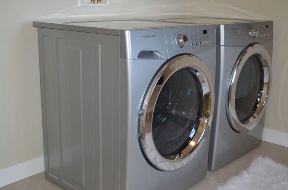 洗濯機の防水パンがない!賃貸時やデメリット、無い時の対処法も解説