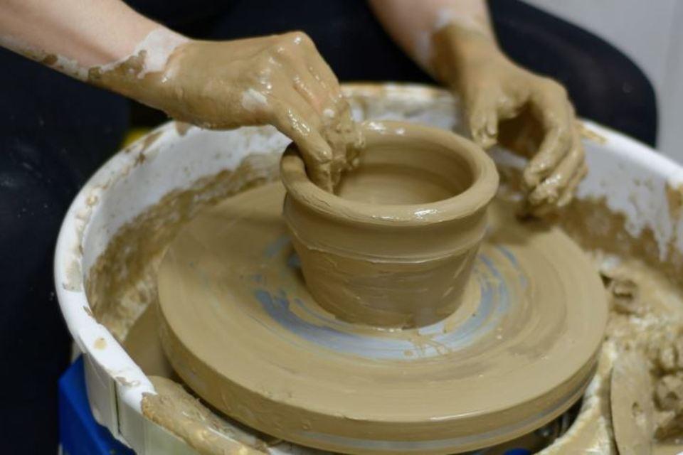 陶器は電子レンジで割れる?その理由や磁器との違いも解説!