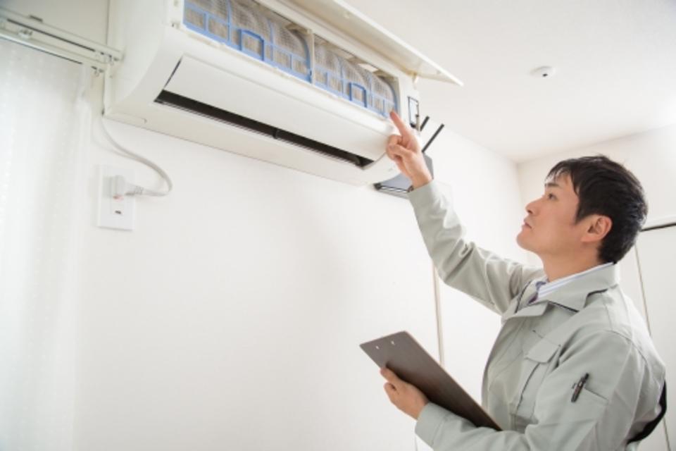 エアコンのガスについて!ガス漏れの原因やガス補充の方法/料金を解説