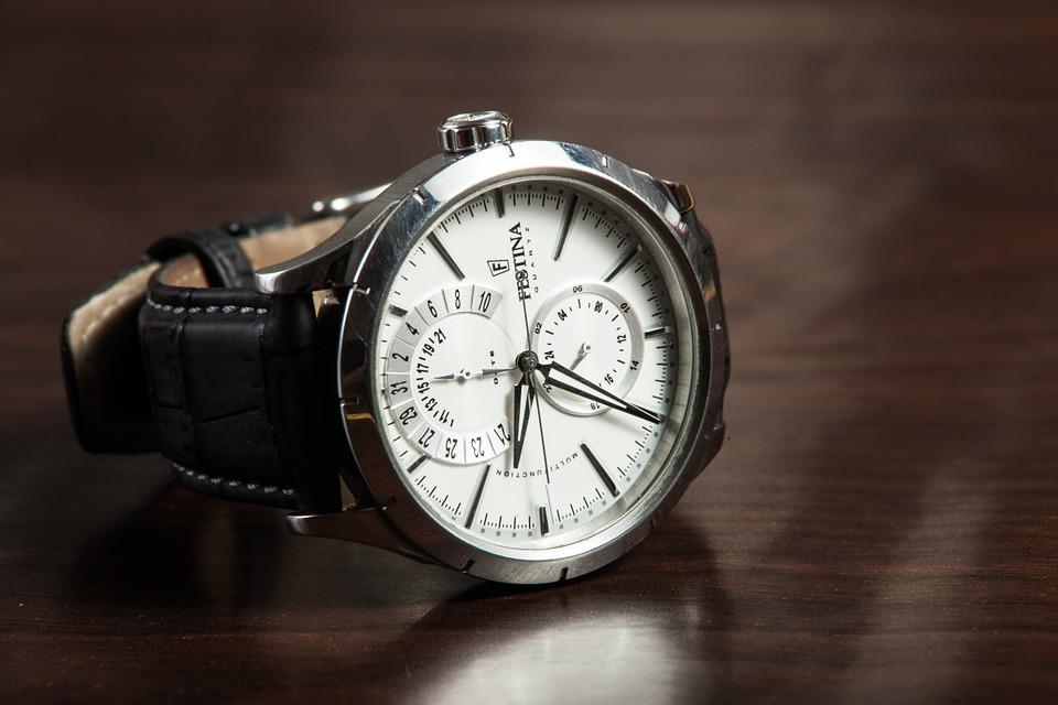 腕時計の電池の寿命は平均どのくらいか解説!短い原因は?