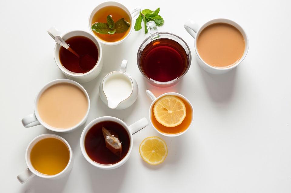 コーヒーメーカーで紅茶やお茶も淹れられる?対応の商品も紹介