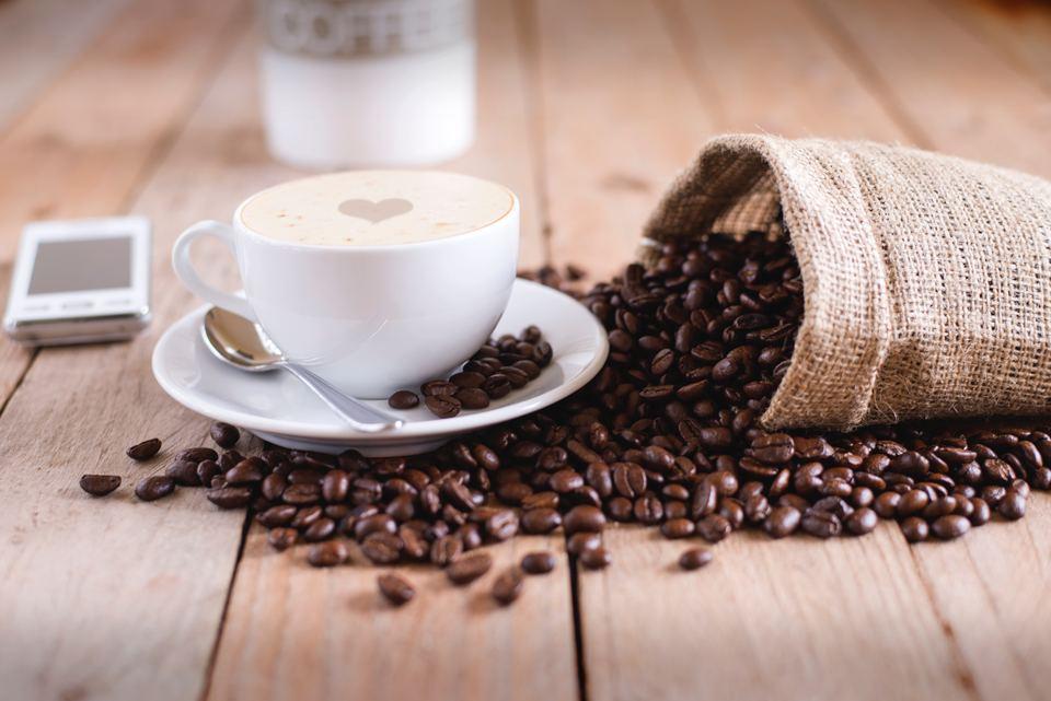コーヒーメーカーの仕組みを解説!コンビニやドリップ式の仕組みは?