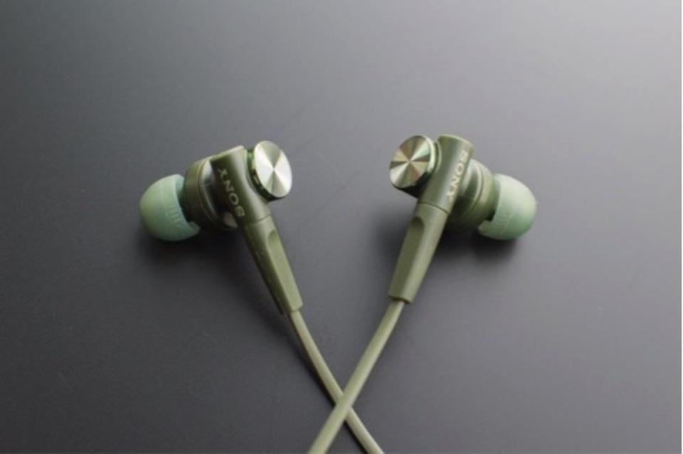 【SONY MDR-XB55は周波数フラット&バランスの良い音質でコスパ最高でした!】