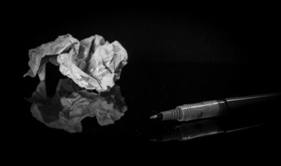 紙へのアイロンがけ!しわしわの紙を伸ばすアイロンがけの温度は?