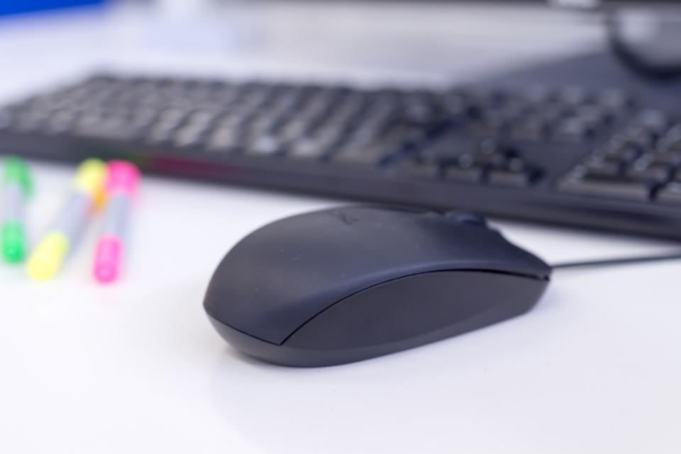 【マウスを分解】して掃除する方法を徹底解説!分解掃除が必要なケースとは?