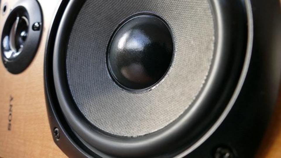 スピーカーをワイヤレス化・無線化する方法を解説!メリットは?
