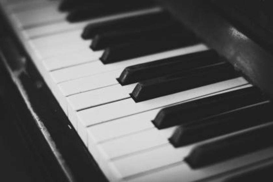 電子ピアノの配送方法と送料を解説!ヤマトの料金や安い方法はどれ?