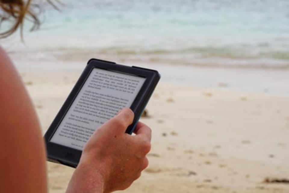 Kindle Cloud Readerは拡大できる?拡大鏡を使う方法など解説!