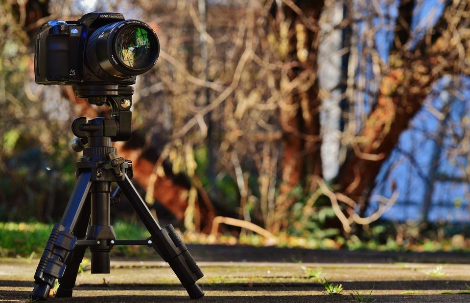 カメラの三脚のネジの規格は2種類!変換アダプターも紹介!