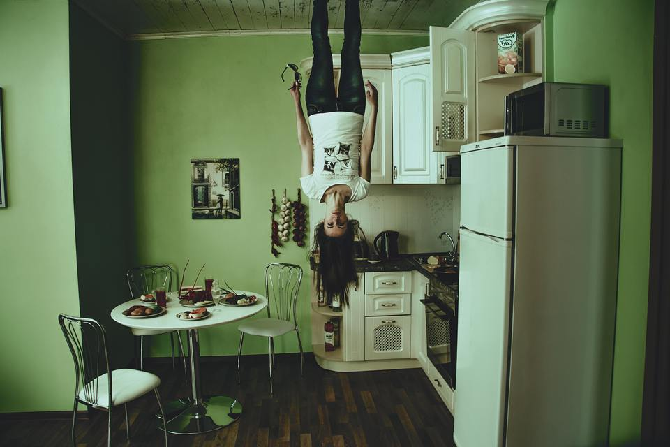 冷蔵庫のコンセントの高さは高いところが良い!低い位置の場合はどうすれば?