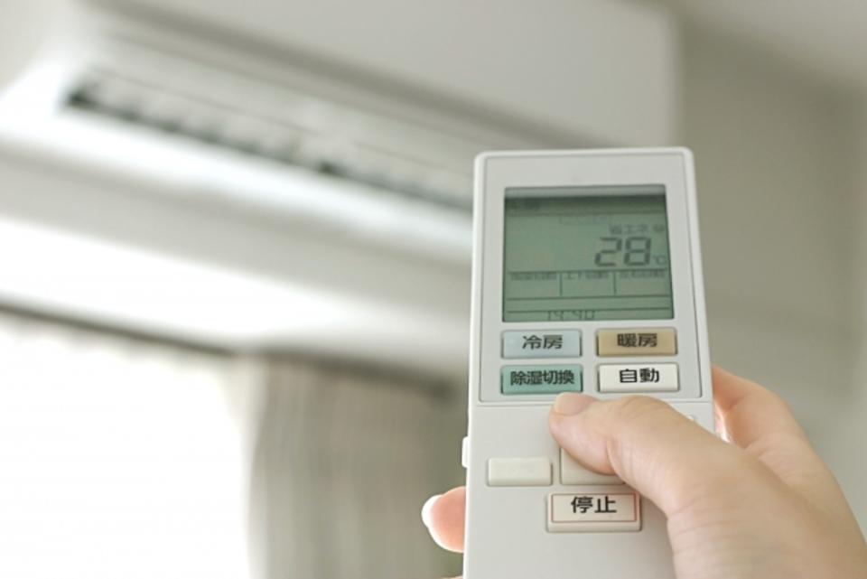 エアコンの風向きを解説!暖房/冷房で効果的な風向きとは?